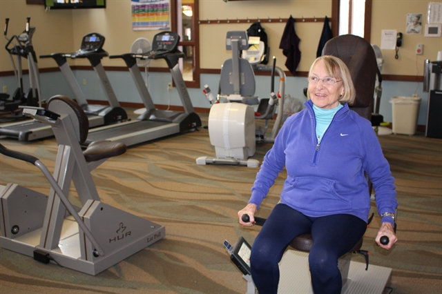 senior woman exercising as physical therapy